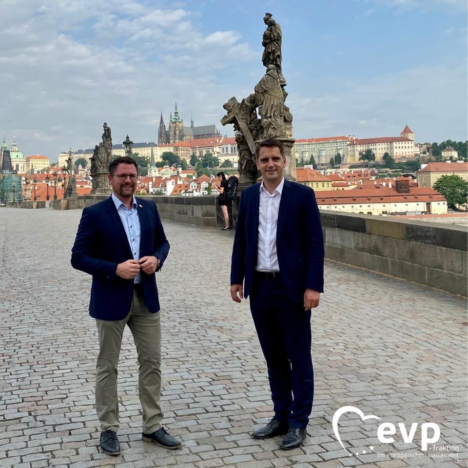 """Dialogprogramm zu den bayerisch-tschechischen Beziehungen in Prag –  12-Punkte-Plan """"Neustart für das Herz Europas"""""""