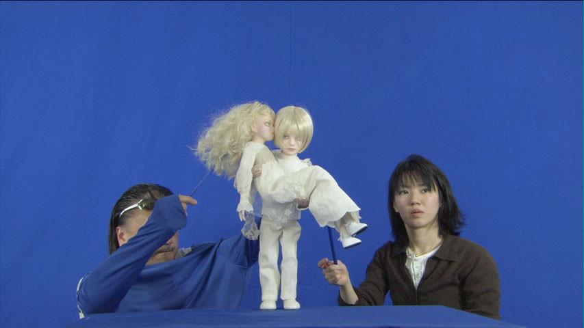 コンテをベースに人形制作 ブルーバックにて操演してキャラクターを演じます