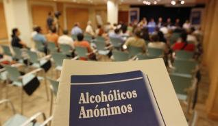 Alcohólicos Anónimos llega a 2 000 miembros (1940)