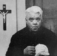¿Son bienvenidos los miembros del clero en las reuniones de AA?