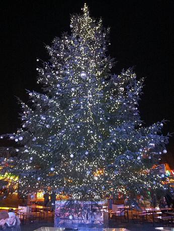 ウィンター・ワンダーランド 内のクリスマスツリー