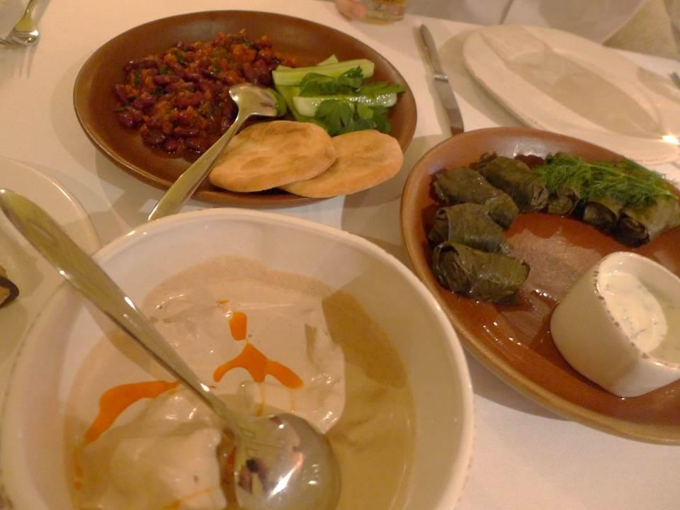 ドルマ、サツィヴィ、豆