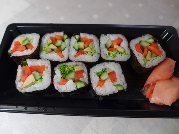 ⑤ピーマンときゅうり入りの巻き寿司