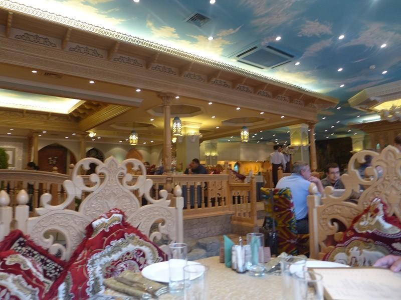 ④レストラン「ババイ・クラブ