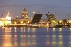 ~白夜のサンクトペテルブルクの跳ね橋~