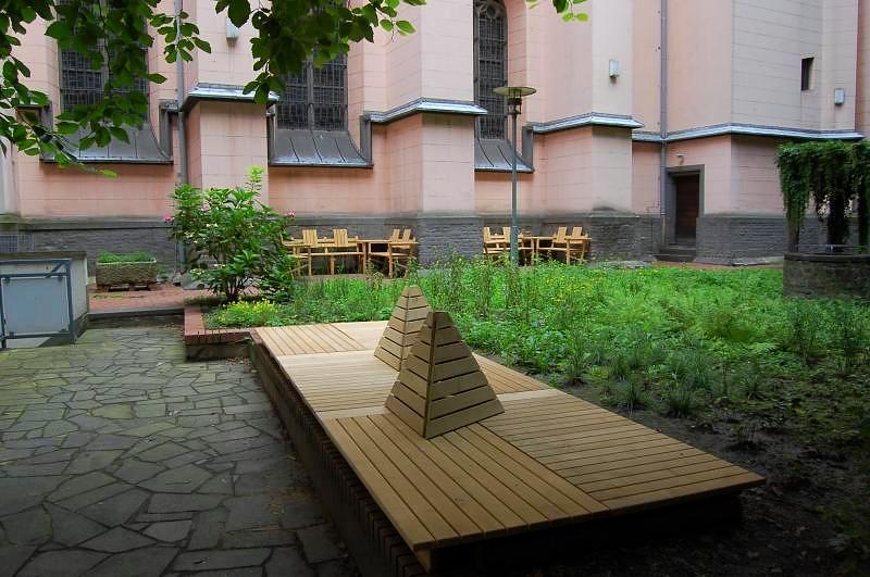 Innenhof St. Mariä Himmelfahrt
