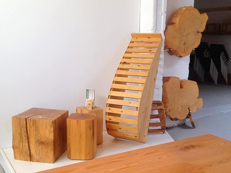 Auch für Yoga braucht man Möbel