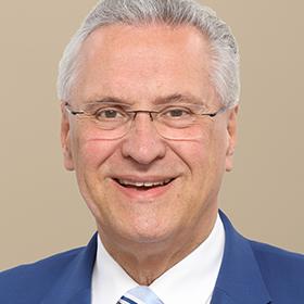 Der bayerische Staatsminister des Inneren: Joachim Herrmann, MdL
