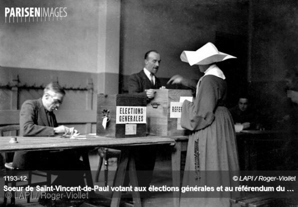 Soeur Rosalie votant en 1945