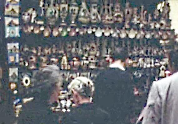1967 Des boutiques et des clients