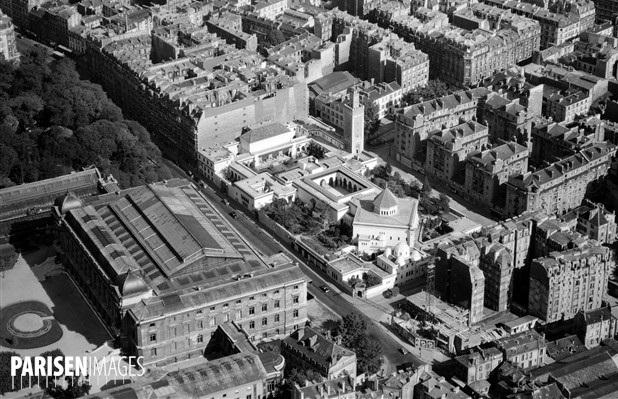 Vue aérienne mosquée à droite, jardin des plantes à gauche