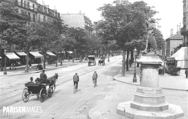 Boulevard Saint-Marcel du 42 au 34 (hormis les caléches, peu différent des années 50)