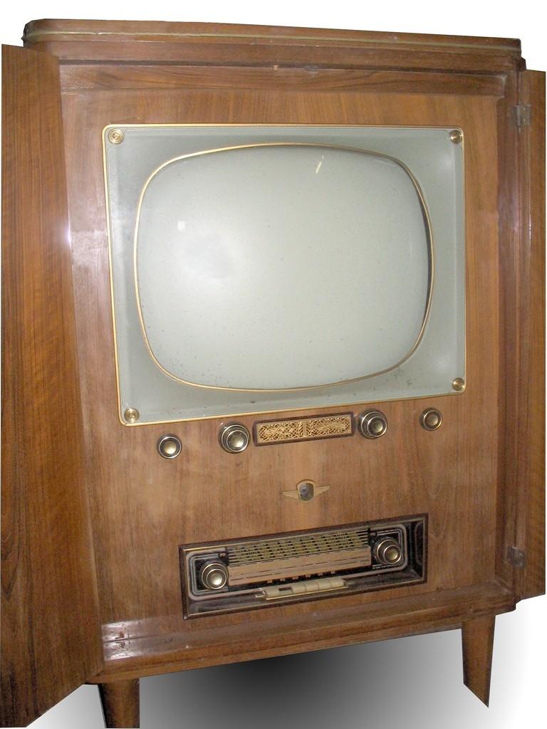 Poste combiné radio-télé et, peut-être, tourne-disque