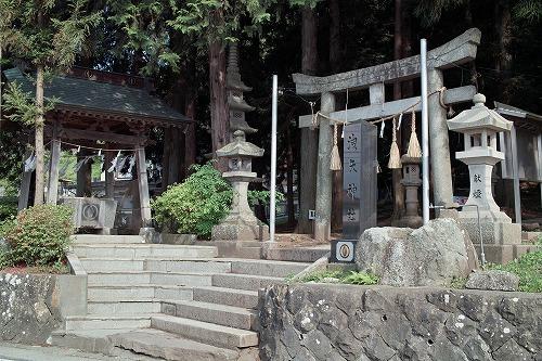 洩矢神社です