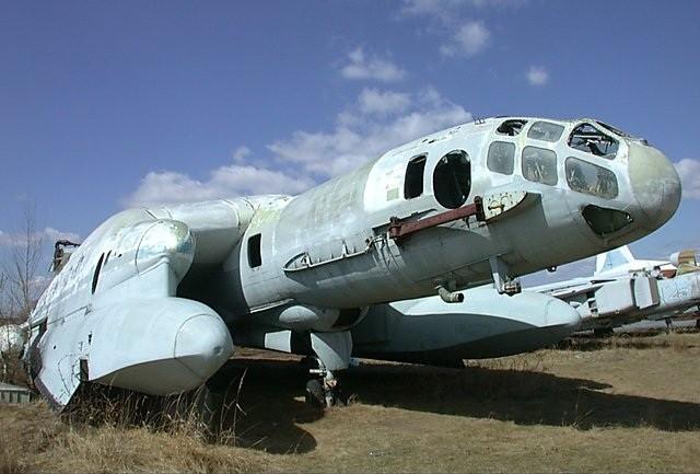 Il relitto del VVA-14 al Museo dell'aviazione di Monino.