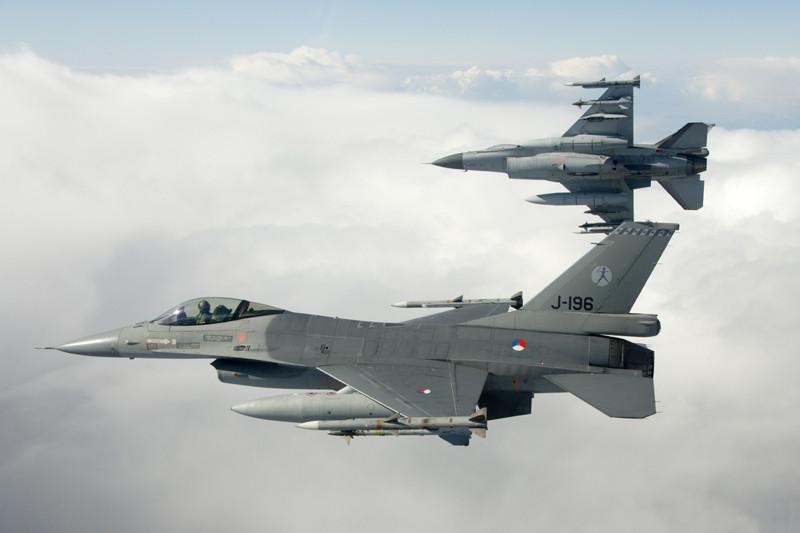 Una coppia di F-16AM olandesi.