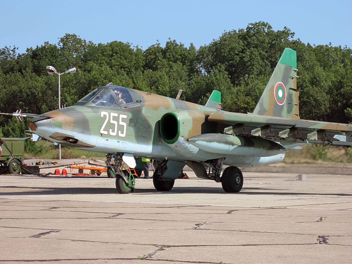 Su-25K il cacciabombardiere Sukhoi resterà ancora in servizio per molto in Bulgaria.