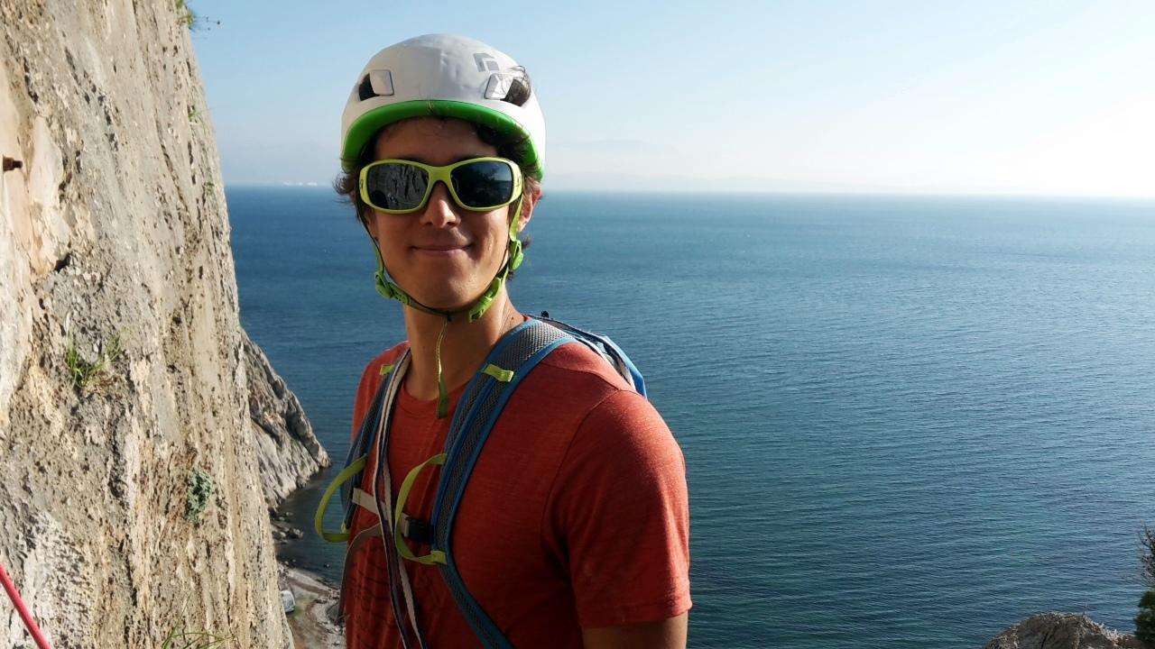 Sur les falaise de Varasova, le sourire aux lèvres