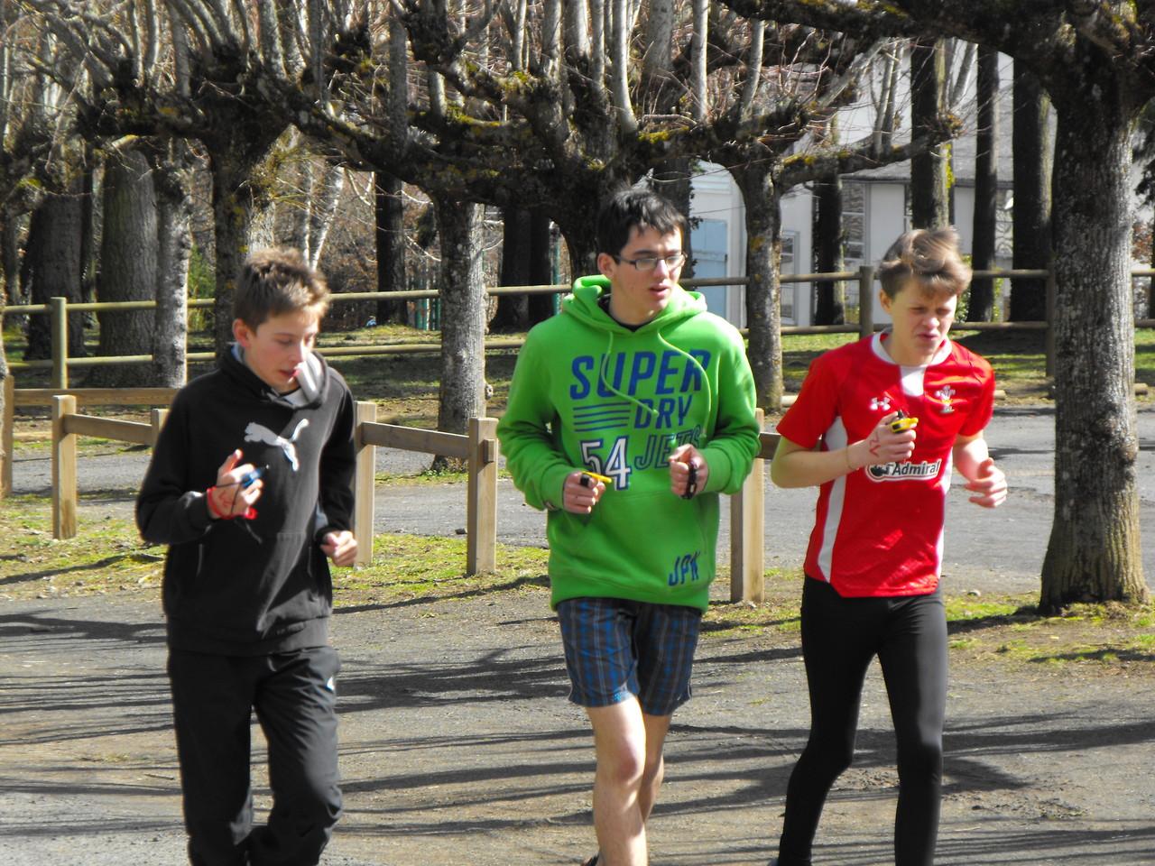 Rhys, Marin et James à l'échauffement