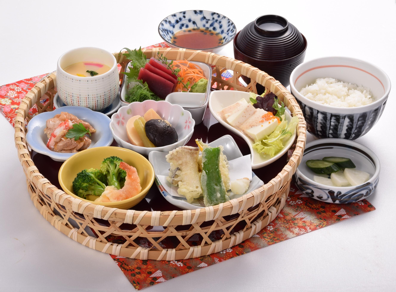 にぎり寿司ランチ上,八街市,伊勢家,うまいのも処,各種ご会合,集いの席,予約,マイクロバス,お食事