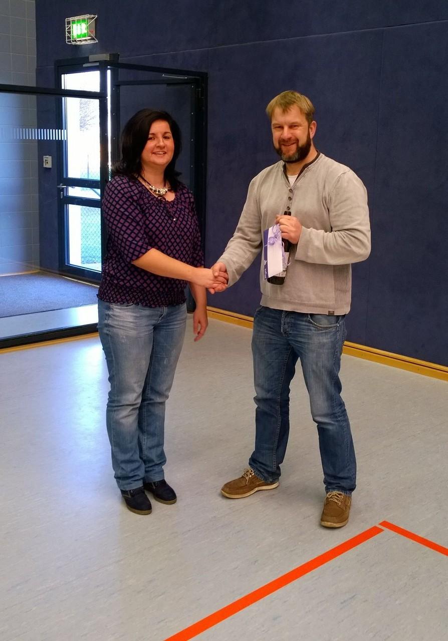 Madlen Möhring vom Salon Möhring und Tino Hesse 1. Vorsitzender HV Solpke/Mieste