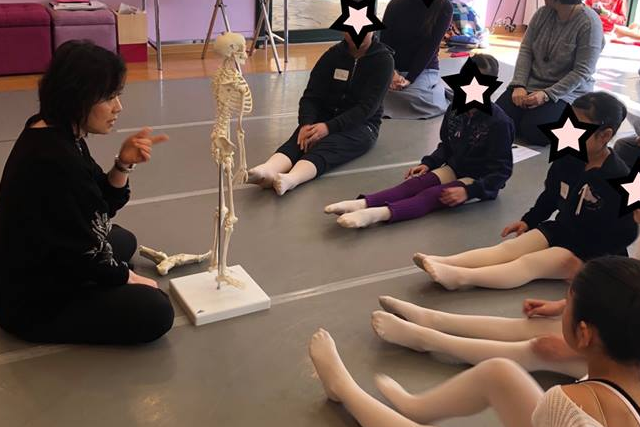 坂田バレエ教室の講座風景