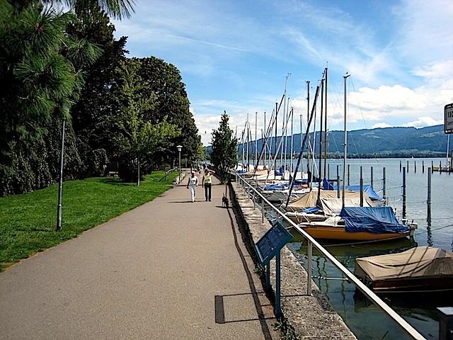 Uferweg am Segelhafen
