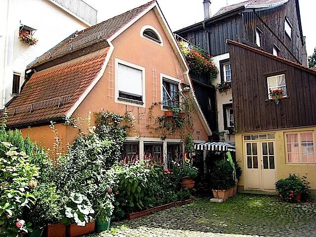 Hinterhof und Stadthaus