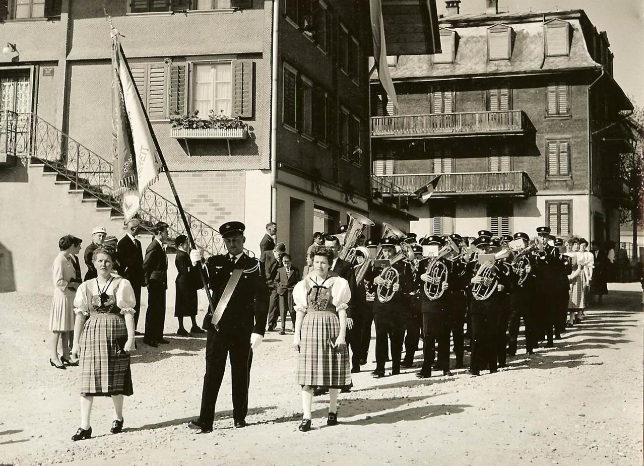 1960: Uniformenweihe - 100 Jahr-Feier