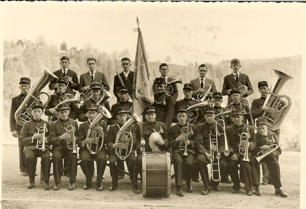 1951: 1. Uniform (Geschenk der MG Entlebuch)