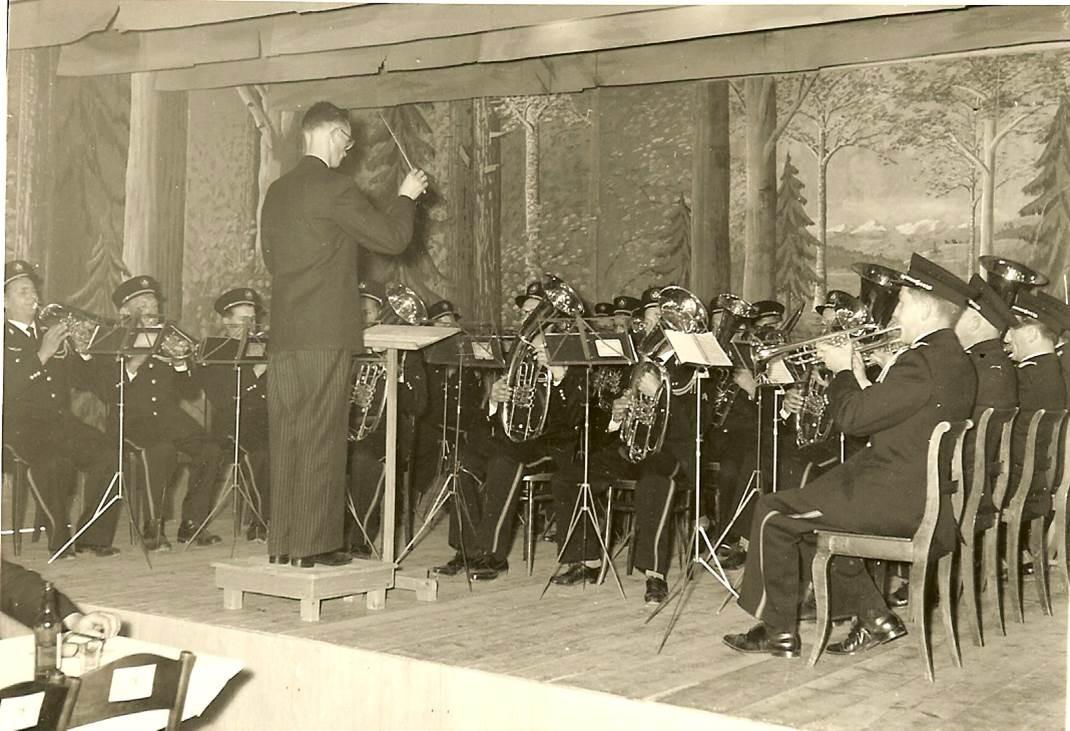1960: Festkonzert im Hotel Kreuz; Direktion Adolf Stöckli