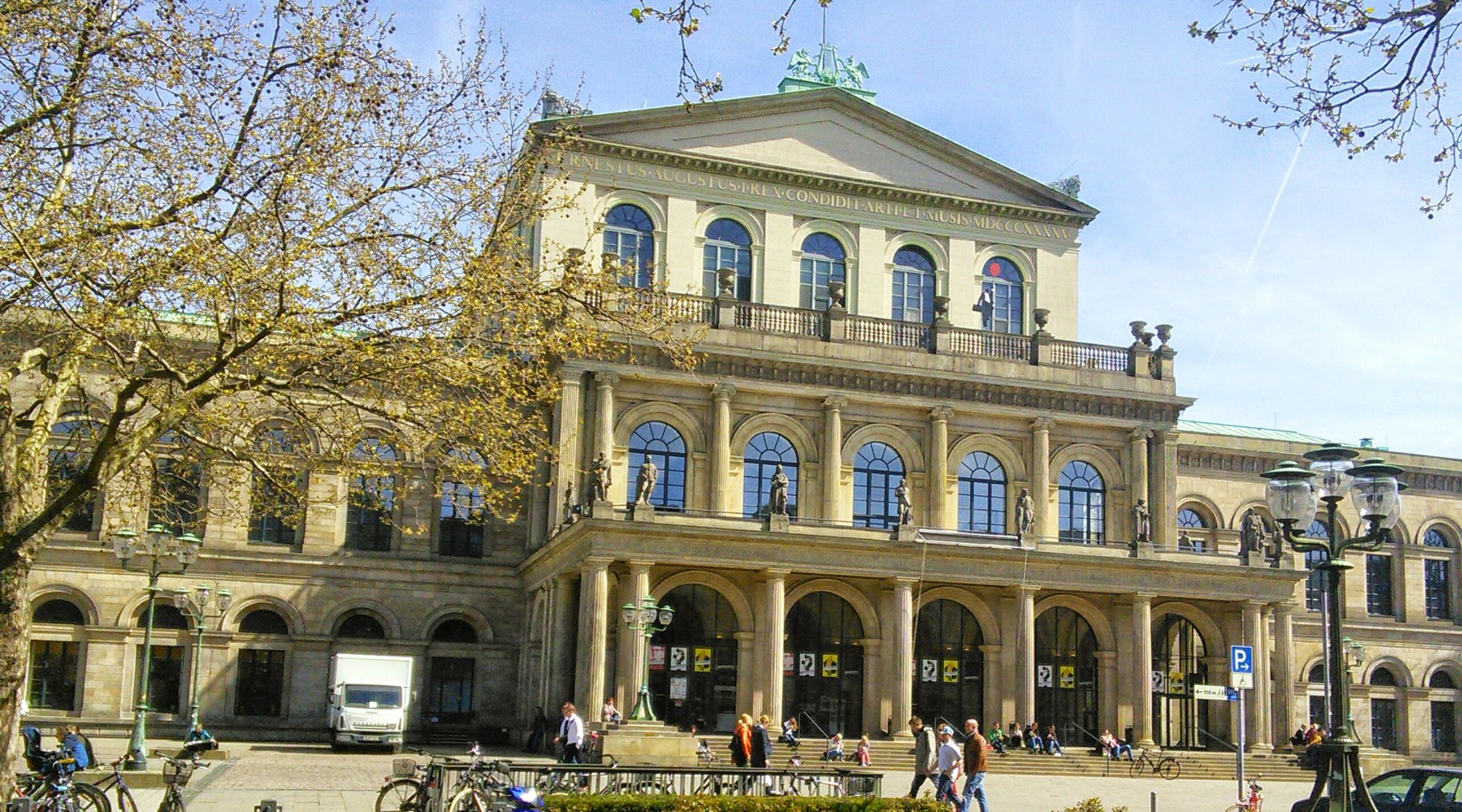 Oper in Hannover Frontansicht 2