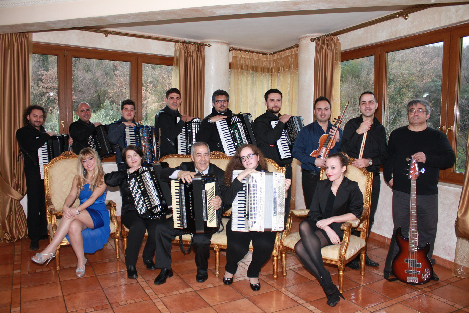 GRANDE FISORCHESTRA CON REPERTORIO DI MUSICA CLASSICA/LEGGERA