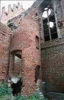 Wendeltreppe die zur neuen Warmluftheizung, nach dem Wiederaufbau eingebaut, führte?