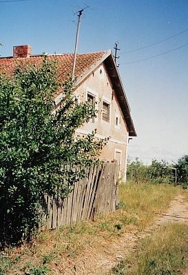 ...dem einzig übrig gebliebenem Haus aus deutscher Zeit. Packerau als Dorf existiert nicht mehr