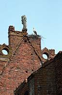 Verschwundene Dachverzierung/Skulptur?