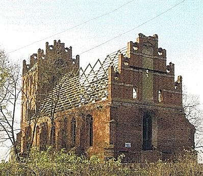 ... um das Loch im Mauerwerk zu schliessen und der Kirche wieder ein Dach zu bauen