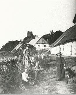 Dorfleben Tharau, Quelle: Chronik des Dorfes