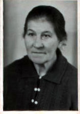 Anna THIEL, geborene MATZ *1889 in Packerau/Tharau. Auf dem Photo ca. 1947 in Aue/Sachsen