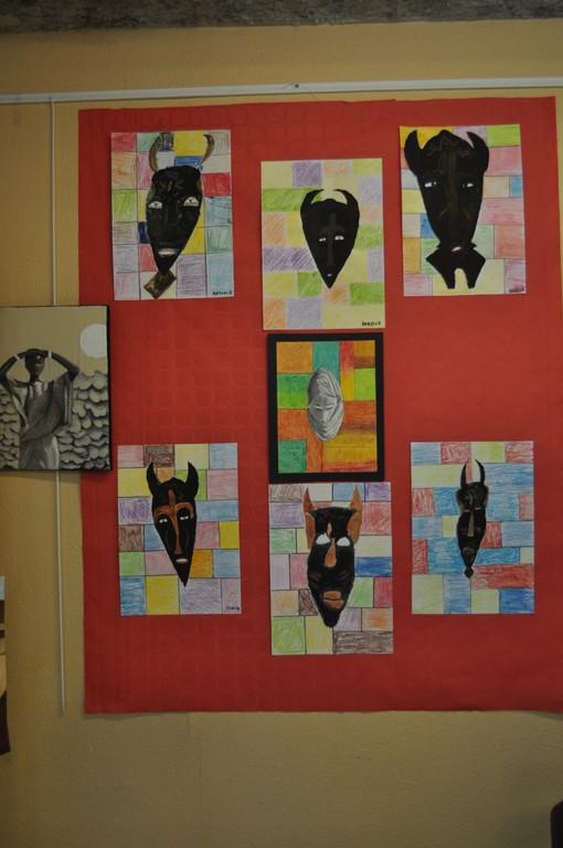 masques africains gouache et pagne pastels gras