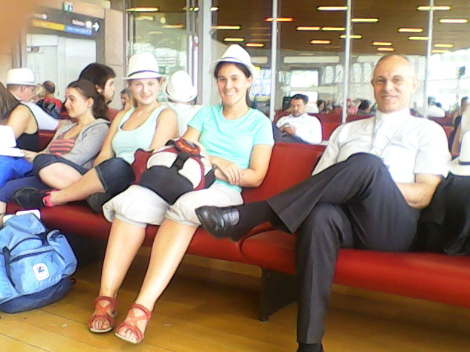 Col vescovo all'aeroporto