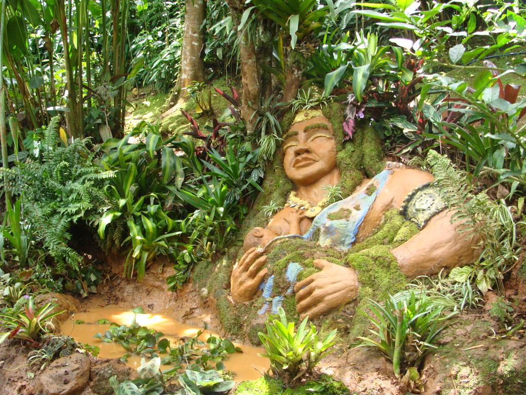 Escultura de Madre tierra.