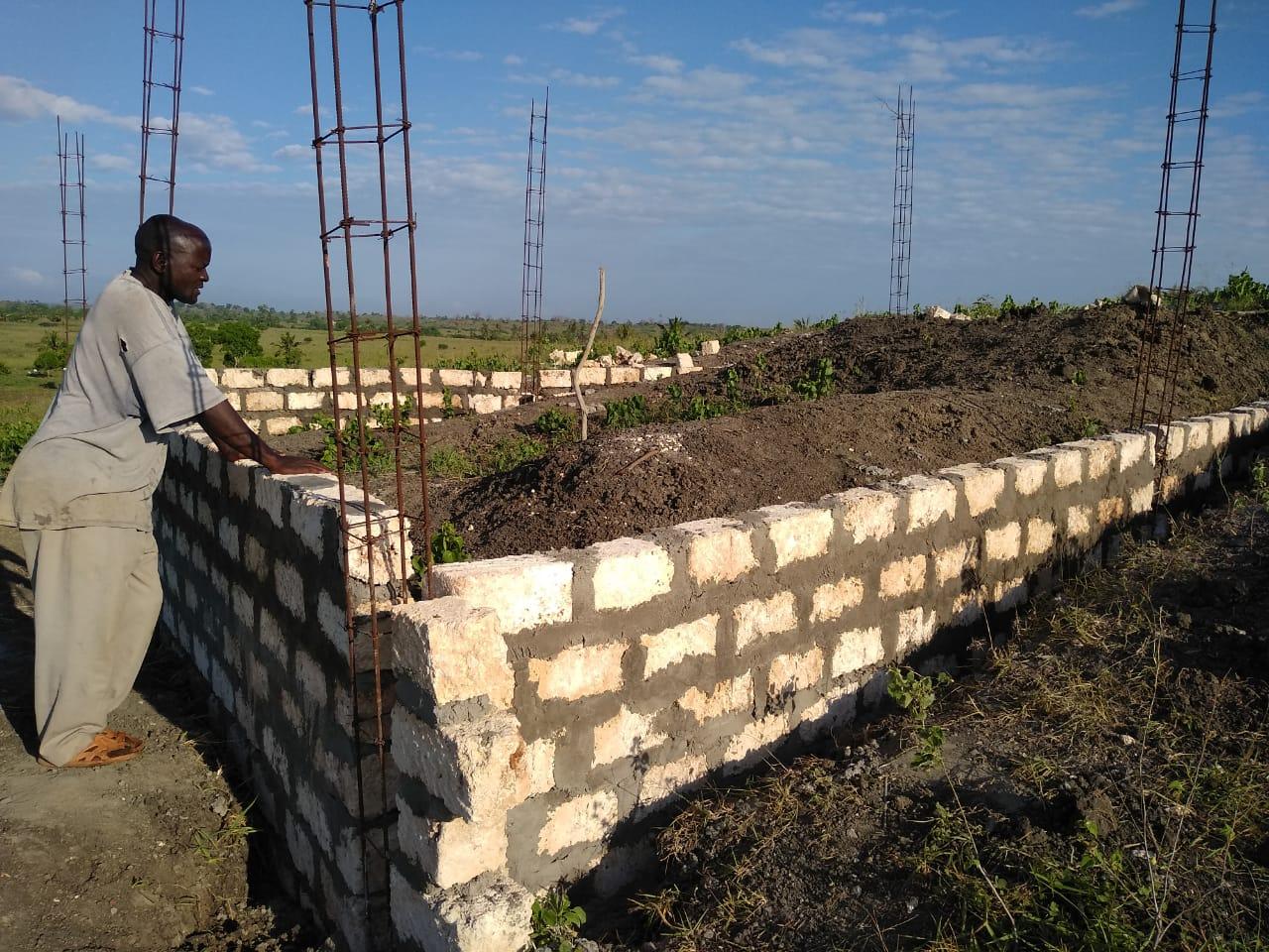 "Der Bau des ""Invader-nation Classrooms"" hat begonnen"
