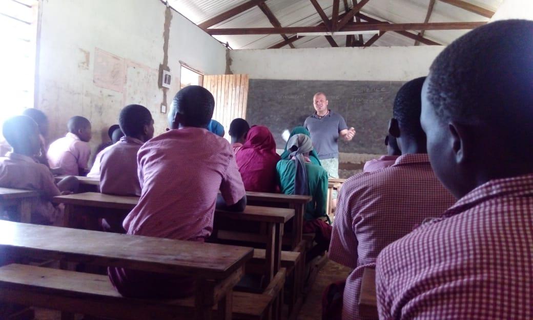 2018: #87 Patrik Gabriel als Lehrer an der Miwani School