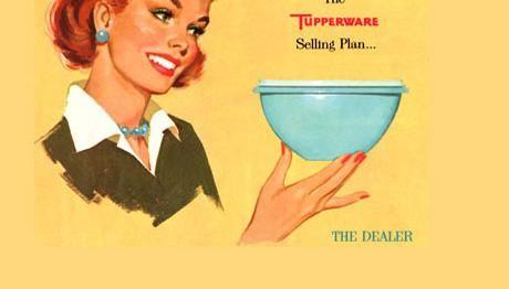 ejemplo publicidad de TUPPERWARE, que responde a los estereotipos publicitarios d la época. Uso sólo descriptivo de los orígenes d la marca