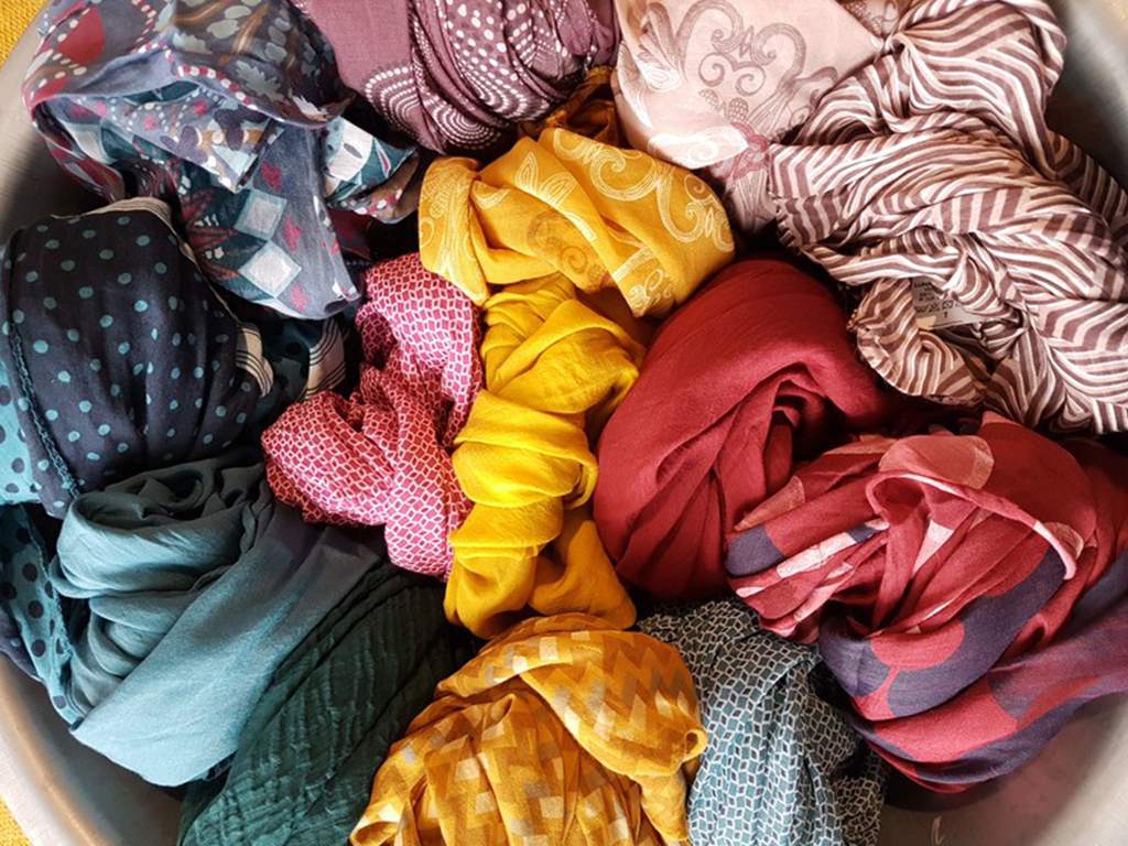 Tücher aus Baumwolle/ Seide