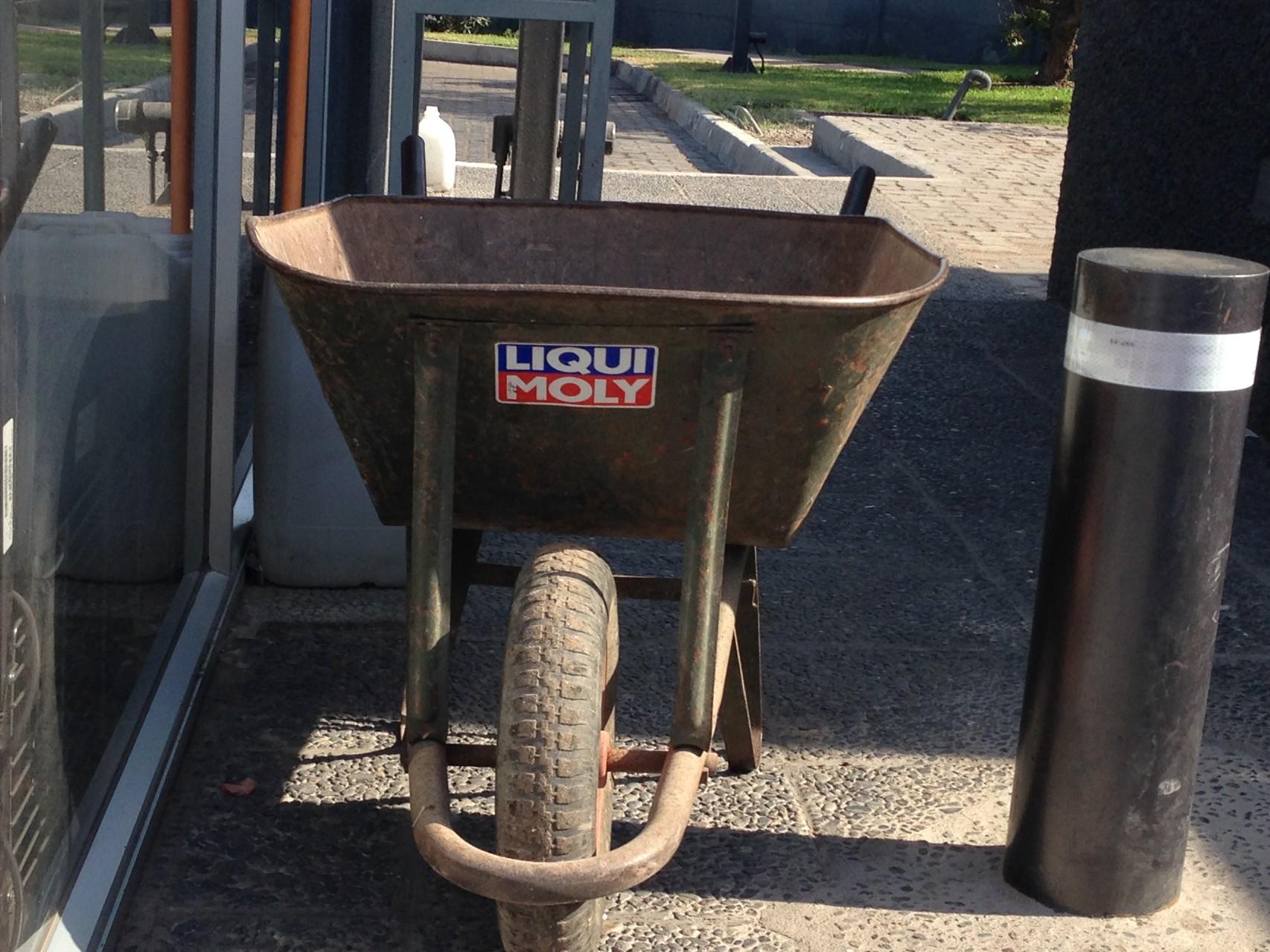 Wurde das Baufahrzeug auch von LM gesponsort?