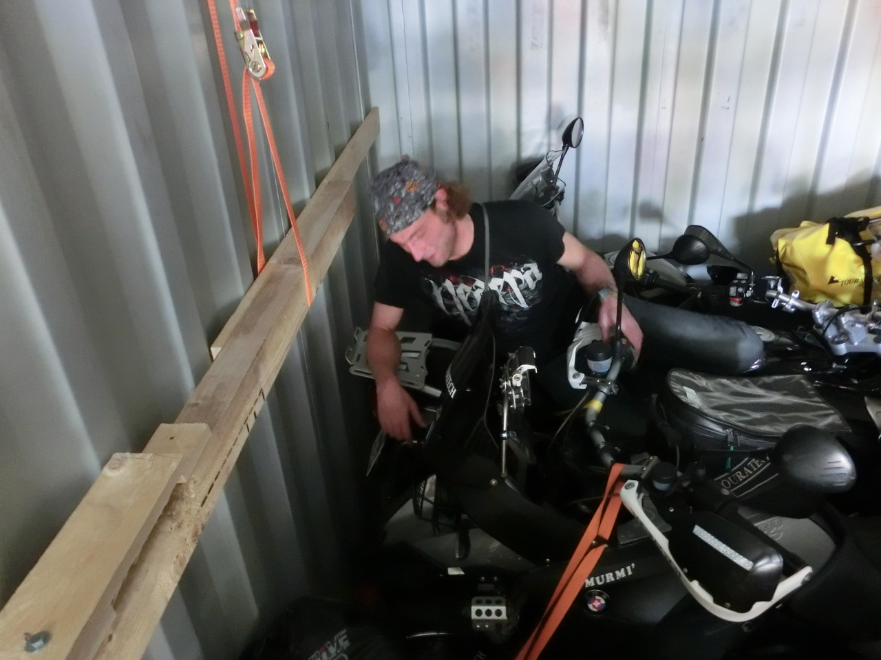 Martin in den Tiefen des Containers