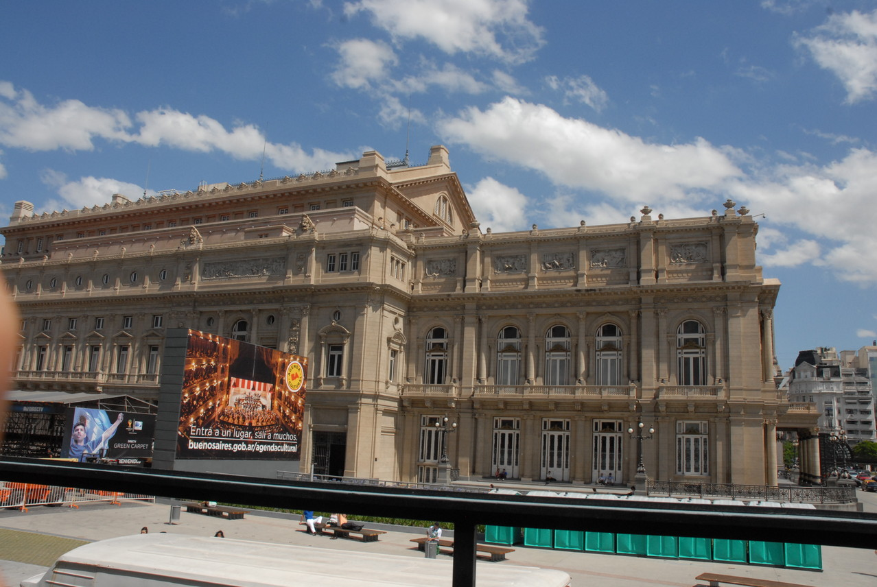 Das Teatro Colon