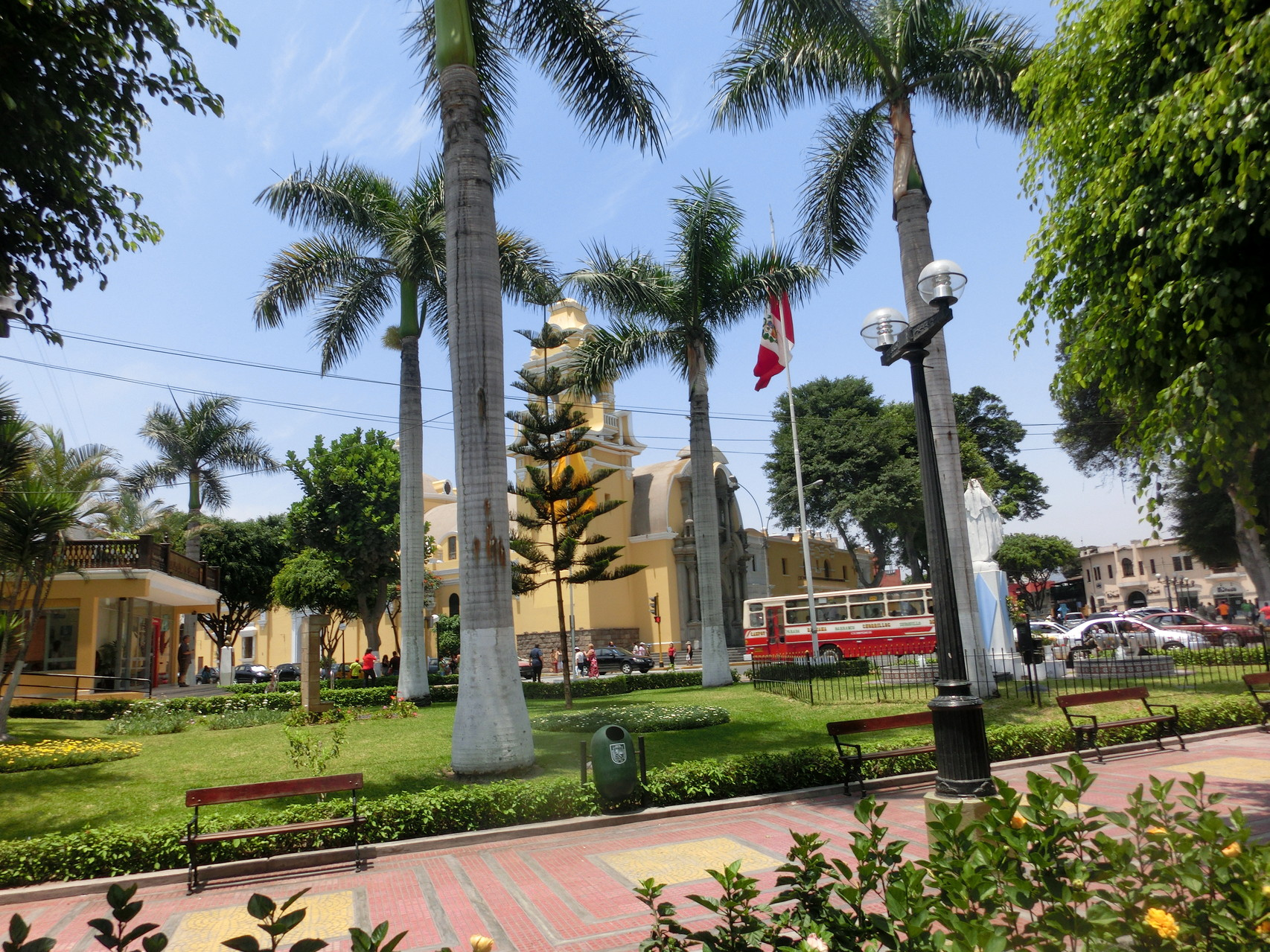 Die Plaza in Barranco